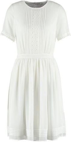 Pin for Later: 40 weiße Sommerkleider unter 100 €  mint&berry weißes Kleid (50 €)