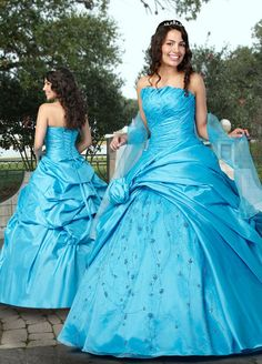 Turquoise Beaded Shell-Shaped Neckline Quinceañera Ball Gown