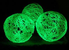 glow in the dark yarn balls~ What You'll Need String/Yarn Elmer's Glue Vaseline Glow in the Dark Spray Paint (found it at the Party City) Fake Spiders Balloons