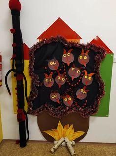 Wreaths, Halloween, Home Decor, Decoration Home, Door Wreaths, Room Decor, Deco Mesh Wreaths, Home Interior Design, Floral Arrangements