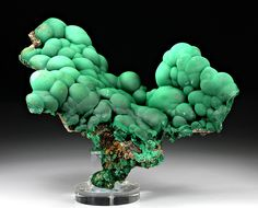 The Crystal Castle — Malachite Minerals And Gemstones, Rocks And Minerals, Crystals And Gemstones, Stones And Crystals, Gem Stones, Crystal Castle, Mineral Stone, Beautiful Rocks, Rocks And Gems