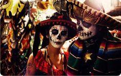 Juntos. #mezcal #sietemisterios #skull #catrinas #love