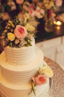 A sweet and simple wedding cake.