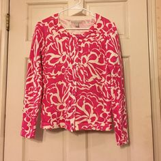 Banana Republic Factory Pink White Floral Cardigan Cute hot pink and white floral cardigan from the BR Factory store. 100% cotton. It's in great condition-- no pilling. Size S. Banana Republic Sweaters Cardigans