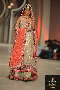 Latest Stylish Pakistani Bridal dresses and Bridal wear Anarkali Frock Pakistani Couture, Pakistani Wedding Dresses, Pakistani Outfits, Indian Dresses, Indian Outfits, Wedding Frocks, Desi Bride, Bollywood Dress, Bollywood Fashion