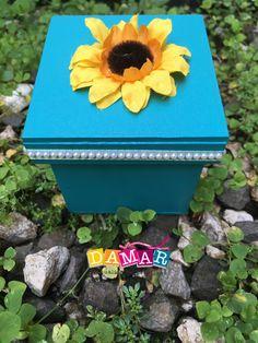 Cajita mediana de madera Planter Pots, Creative Crafts, Boxes, Creativity, Wood, Plant Pots