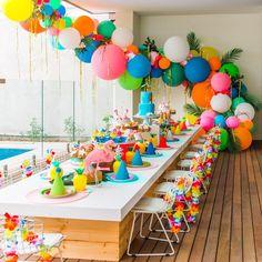"""3,049 """"Μου αρέσει!"""", 96 σχόλια - Poppies For Grace (@poppiesforgrace) στο Instagram: """"Get excited: you can now customize our DIY balloon garlands, just like @clairecollected did  She…"""""""