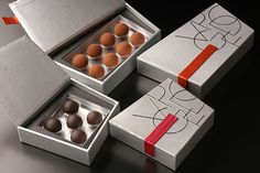 Chocolate Box!  Embalagem luxuosa com formato diferente para guardar deliciosos bombons!  Designed by Gaku Abe