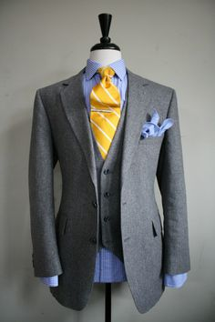 2014 New hot High Quality Notch Lapel Gray Prom suit  /wedding suit /groom wear include  (jacket+pants+bowtie)free shipping   $159.00