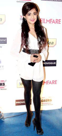 Monali Thakur at the Filmfare pre-awards party. #Style #Bollywood #Fashion #Beauty