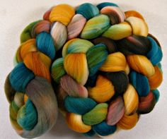 Azteca merino wool top for spinning and felting 4.1 by yarnwench