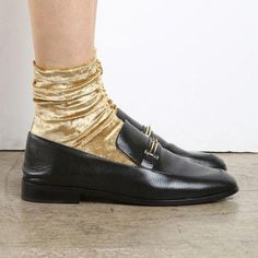 Darner Gold Crushed Velvet Socks Metallic and dress socks that are a great way to pair with hosiery and shoes Also a great gift and fun for every closet Designed and Made in Los Angeles Velvet Socks, Look Boho, Mein Style, Dress Socks, Fashion Socks, Sock Shoes, Shoes And Socks, Loafers With Socks, Looks Style