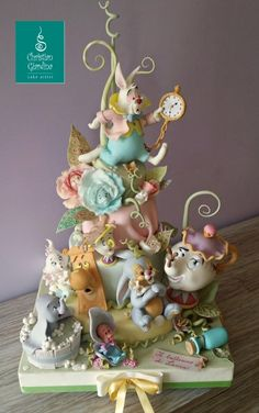 Everyone is Invited to a Tea Party in this wonderful Alice In Wonderland Cake made by Christian Giardina Cake Artist art Mrs. Potts Attends A Tea Party In Wonderland Gorgeous Cakes, Pretty Cakes, Cute Cakes, Amazing Cakes, Bolo Thor, Disney Themed Cakes, Disney Desserts, Alice In Wonderland Cakes, Fantasy Cake