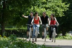 Moselle, the perfect destination for cyclists : Chemin de la Moselle - Thionville by Moselle Tourisme, via Flickr - #enjoymoselle #Moselle #Lorraine #France More to discover on http://www.moselle-tourism.com/en/things-to-do/walking-and-outdoor-activities.html
