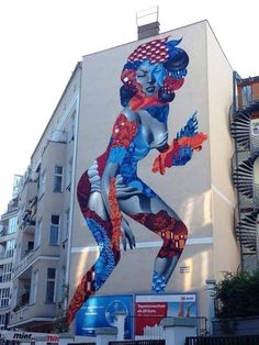 Artist @tristaneaton new amazing large scale Street Art mural in Berlin, Germany  #art #graffiti #mural #streetart pic.twitter.com/aBDtQfN8iZ