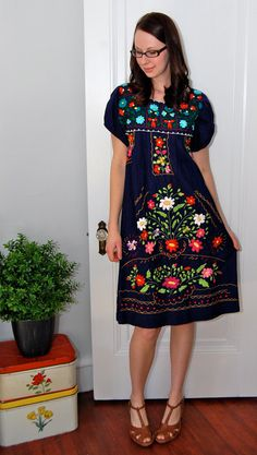 I had a dress like this in high school...I wish I still had it to wear!