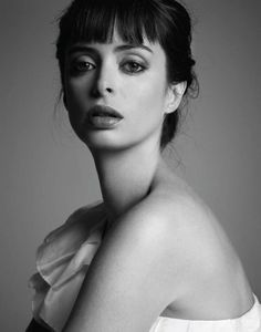 Krysten Ritter. absolutely gorgeous, even though i hated her in Breaking Bad season 2.