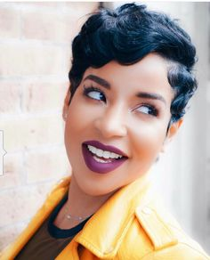 28 Curly Pixie Cuts That Are Perfect for Fall 2017 Short Sassy Hair, Cute Hairstyles For Short Hair, Short Pixie, Black Women Hairstyles, Short Hair Cuts, Girl Hairstyles, Curly Hair Styles, Natural Hair Styles, Curly Pixie