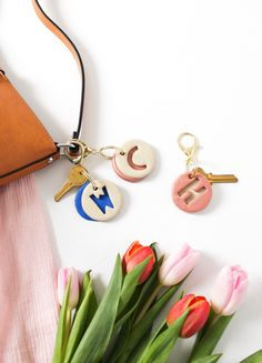 Does it get any cuter than this DIY Clay Letter Keychain? So easy and inexpensive! All you need is a few supplies, and this how to. Polymer Clay Projects, Polymer Clay Charms, Polymer Clay Jewelry, Clay Crafts, Diy Fimo, Diy Clay, Diy With Clay, Clay Keychain, Keychains
