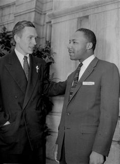 The Rev. Robert A. Graetz, white pastor of a black Lutheran Church in Montgomery, Ala., testified March 22, 1956 that he has never heard the Rev. Martin Luther King, Jr. urge blacks to not ride Montgomery city buses.  Dr. King is charged with leading a conspiracy to boycott the buses.  Graetz is shown talking to King on the courthouse steps after his testimony.  (AP Photo/Gene Herrick) Photo: GENE HERRICK, STF / Beaumont