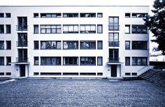 """Ludwig Mies van der Rohe (1886-1969)   Weißenhofsiedlung – Deutscher Werkbund Austellung """"Die Wohnung""""   Stuttgart   1925-1927"""