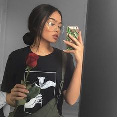 Industry Experts Give You The Best Beauty Tips Ever – Lazy Days Beauty Melissa Calma, 90s Fashion, Fashion Outfits, Street Fashion, Fashion Styles, Fall Fashion, Fashion Women, Baddie Hairstyles, Messy Hairstyles