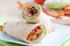 Turn a traditional BLT sandwich into a portable wrap sandwich by filling flour tortillas with a mixture of sun-dried tomatoes, lettuce, onion, and crisp bacon. 3 SmartPts Per Serving Ingredients : 1 large stone ground whole Skinny Recipes, Ww Recipes, Lunch Recipes, Cooking Recipes, Healthy Recipes, Skinny Meals, Skinny Mom, Potato Recipes, Crockpot Recipes