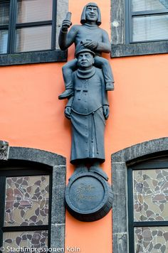 Figuren am Päffgen - Brauhaus in der Kölner Altstadt | Köln Eifel, Cologne Germany, Germany Travel, Catholic, Architecture, City, Ds, Bucket, Detail
