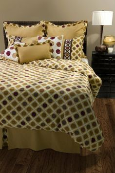 Rizzy Home BT-822K Somerset Spring 10-Piece Comforter Set, King by Rizzy Home. $570.00. Embroidered and Appliqué Details. Set includes: one 114 by 98 -Inch filled duvet, three 26 by 26 -Inch euro shams, two 20 by 36 -Inch king shams, one 11 by 21 -Inch pillow, two 18 by 18 -Inch pillow, one 78 by 80 -Inch bedskirt with 18 -Inch drop. 100% Cotton. Cotton. Machine Wash Separately, Hand Wash 18-Inch x 18-Inch Accent Pillows. Shades of gold, deep red and dark brown have bee...