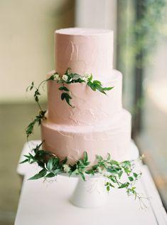 Jessica and JJ's Sophisticated Blush Wedding in Texas | Wedding Sparrow fine art wedding blog
