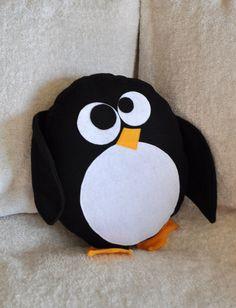 Happy World Penguin Day! Funny Pillows, Baby Pillows, Kids Pillows, Penguin Day, Wool Dolls, Felt Pillow, Birthday Wishes For Myself, Operation Christmas Child, Cute Penguins