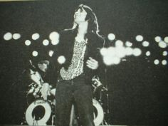 Steve Perry's Picture Gallery - Steve Perry's Photo : Escape era