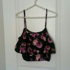G by GUESS | Floral Crop Top Summer perfect Guess tank crop top! Floral and flowy, this tank has adjustable straps and has a cinch-waist bottom to ensure no unwanted exposure ;) size small/medium G by Guess Tops Tank Tops