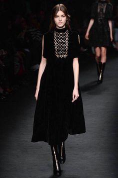 Valentino Fall 2015 RTW Runway – Vogue