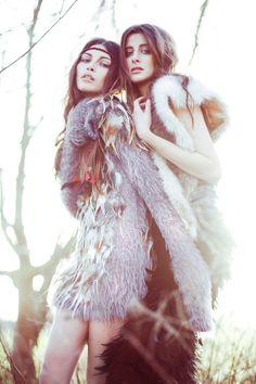 Maya & Ella @ IMG Models by Lara Jade - poses for portraits - close up photos - high fashion - fashion photographer - fashion inspiration - model poses for 2 - native Vintage Fashion Photography, Fashion Photography Inspiration, Photoshoot Inspiration, Beauty Photography, Style Inspiration, Bohemian Photography, Hippie Style, Hippie Chic, Boho Chic