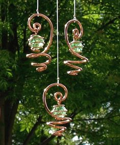 Solid Copper Green Crakled Glass Mobile Suncatcher by TwistsOnWire Copper Wire Crafts, Copper Wire Art, Wire Wrapped Jewelry, Wire Jewelry, Jewellery, Carillons Diy, Sun Catchers, Diy Wind Chimes, Diy Plant Stand