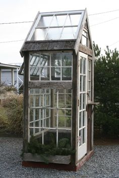 This unique greenhouse winter is unquestionably a remarkable design technique. Window Greenhouse, Backyard Greenhouse, Small Greenhouse, Greenhouse Plans, Backyard House, Old Window Projects, Garden Tool Storage, Inside Plants, Lawn And Garden