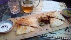 Snack it Quesadilla vs El Gato Quesadilla | Na pive Quesadilla, Snacks, Ethnic Recipes, Food, Gatos, Appetizers, Quesadillas, Essen, Meals