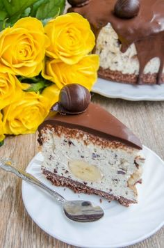 Cred ca nu mai e un secret pentru nimeni ca eu sunt mare fan cheesecake fara coacere. Da, imi place de nu mai pot si oricand as fi ga... Cheesecake Deserts, Cheesecake Recipes, Delicious Deserts, Yummy Food, Recipes Using Bananas, Romanian Desserts, Romanian Recipes, Cake Cookies, No Bake Cake