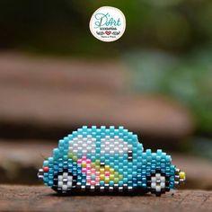Pichirilo Volkswagen D& encuentra esta hermosa versión como Pin o Dije, . Brick Stitch Patterns, Bead Loom Patterns, Beaded Jewelry Patterns, Beading Patterns, Seed Bead Projects, Beading Projects, Beading Tutorials, Motifs Perler, Beaded Banners