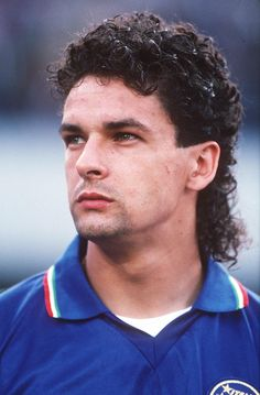 Roberto Baggio hairstyle i still remember that goal tsmfwyk - Hair Styles Legends Football, Football Icon, Retro Football, Sport Football, Roberto Baggio, France Football, World Football, Turin, Photos Vintage