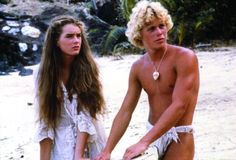 Still of Brooke Shields and Christopher Atkins in A Lagoa Azul Brooke Shields, Monty Python, Blue Lagoon Movie, Os Goonies, Now And Forever, Beach Scenes, Actors & Actresses, Movie Tv, Hollywood