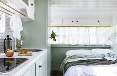 Beautiful Vintage Viscount Caravan Ideas With Boho Interior, The caravan needs to be levelled on a set firm surface. If you own a caravan that you're seeking to sell talk to us about finding the most suitable bu. Diy Caravan, Caravan Home, Caravan Decor, Retro Caravan, Caravan Ideas, Camper Ideas, Caravan Inside, Interior Ikea, Simple Interior