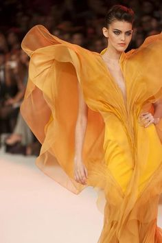 Sculptural Fashion Stephane Rolland Haute Couture Repinned by www.fashion.net
