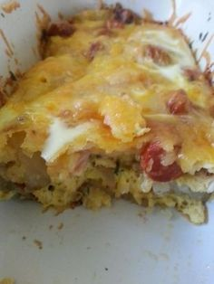 pancake casserole Eggs, sausage, potato, cheese all in one dish. Easy to prepare the night before and bake in the morning. Breakfast Potato Casserole, Sausage Casserole, Breakfast Potatoes, Breakfast Bake, Breakfast Dishes, Casserole Recipes, Breakfast Recipes, Raw Potato, Best Cheese