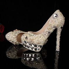 Pearl Wedding shoes, unique wedding shoes and bling wedding shoes in handmade- (Best Wedding and Engagement Rings at www.brilliance.com)