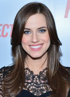 Allison Williams Layered Cut - Allison Williams showed off her long locks with a layered 'do.