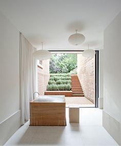 Badetag mit der Innenarchitektin Sevil Peach - www.leuchtend-gra... #Bad #Bath #minimalistic #Minimalism #SevilPeach