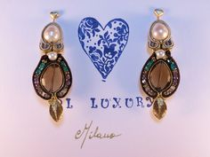 Orecchini in soutaches con quarzi fumè taglio goccia, perle, pirite oro, cristalli ametista, smeraldo e fumo, componenti oro e argento italiano 925.