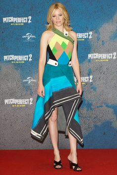 Elizabeth Banks in Peter Pilotto Fall 2015 - Pitch Perfect 2 photocall, Berlin